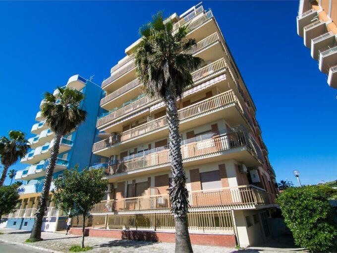Appartamento in prima fila mare a San Benedetto del Tronto - esterno