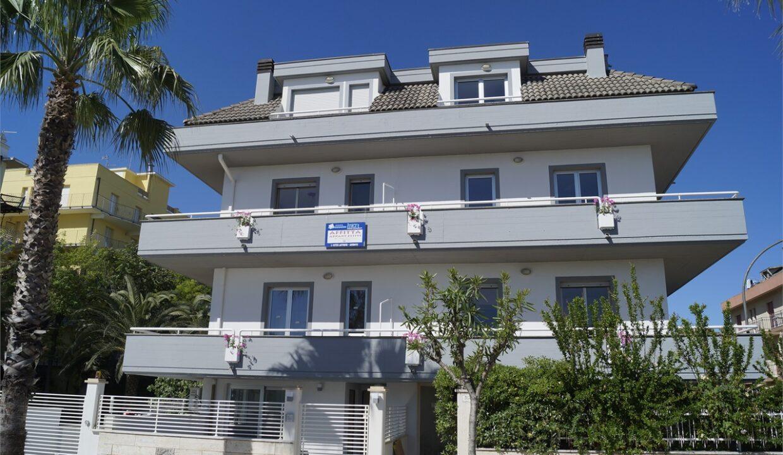 Cala Luna Suite in primafile a San Benedetto del Tronto