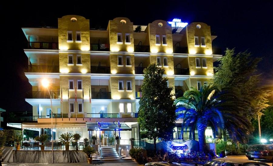 Hotel Imperial San Benedetto del Tronto esterno