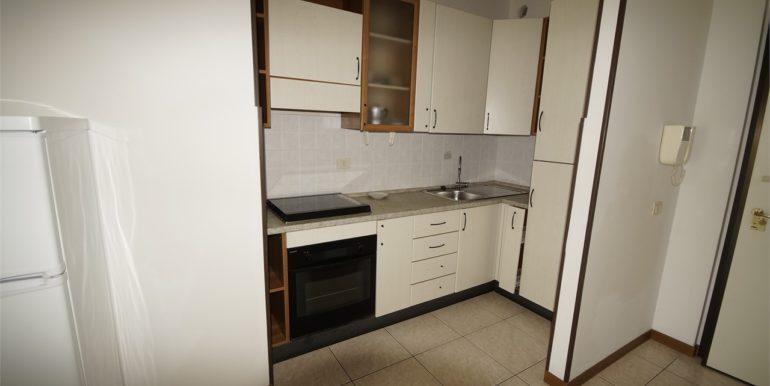 angolo cottura appartamento con terrazza a San Benedetto del Tronto