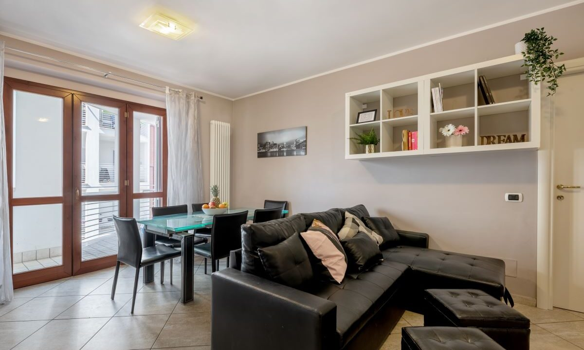 appartamento a Grottammare - soggiorno e divano