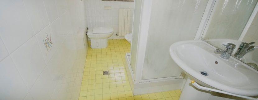 bagno appartamento palazzina Azzurra a San Benedetto del Tronto