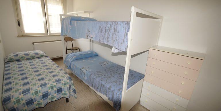 camera tripla appartamento con terrazza a San Benedetto del Tronto