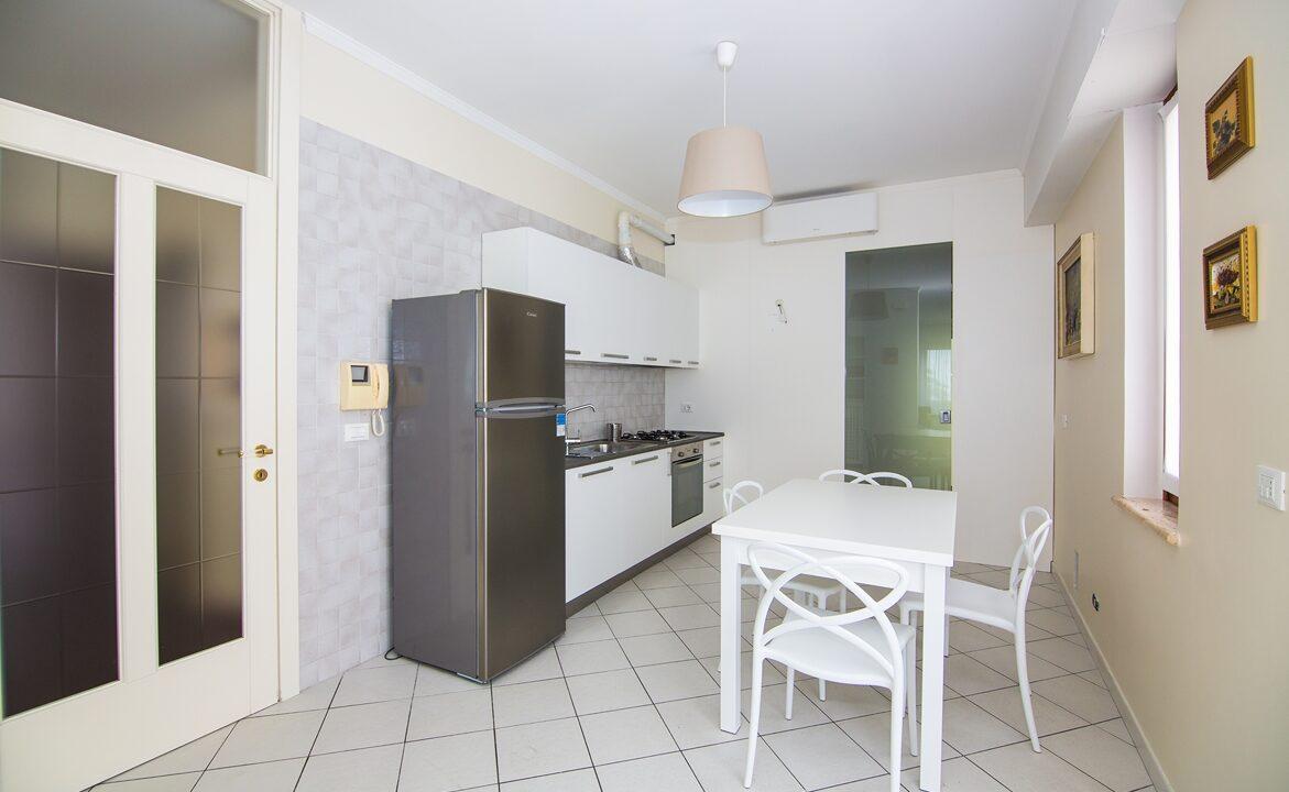 cucina appartamento vicino a San Benedetto del Tronto