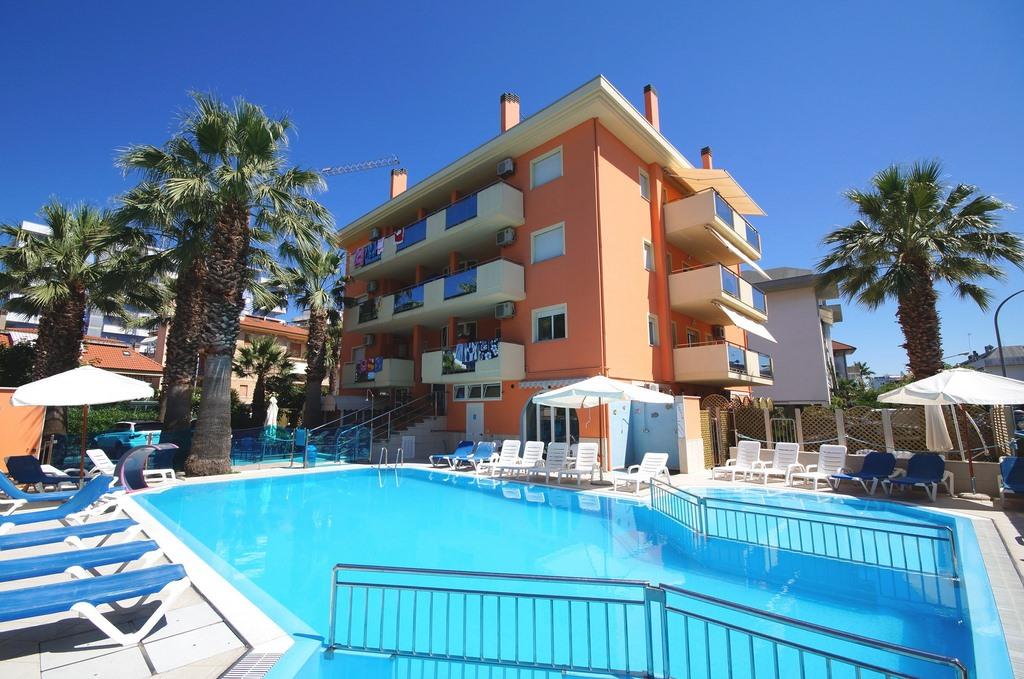 Palazzina Azzurra 4 posti – condominio con piscina a San Benedetto del Tronto