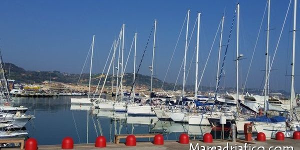 molo-sud-di-San-Benedetto-porticciolo