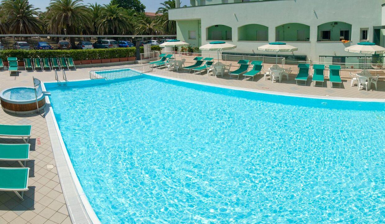 piscina - Michelangelo residence sul lungomare di San Benedetto del Tronto