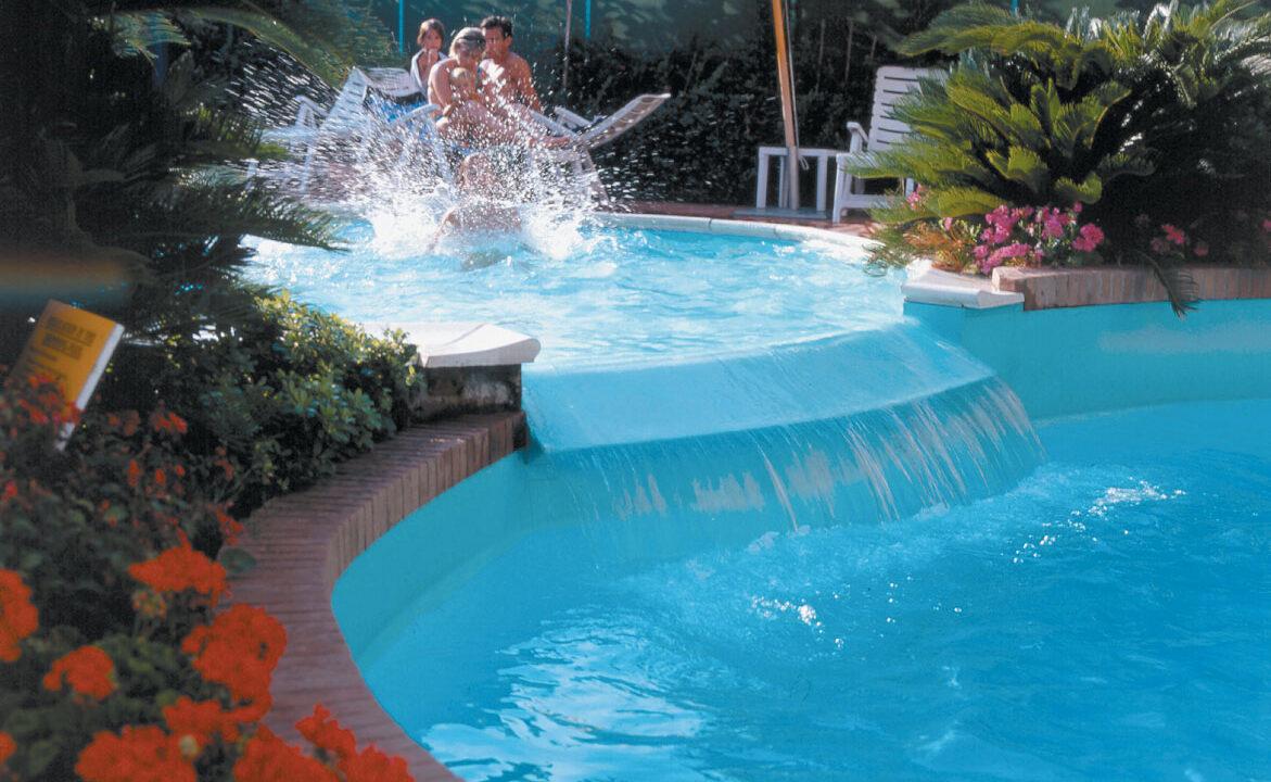 piscina del residence Mediterraneo Uno - San Benedetto del Tronto
