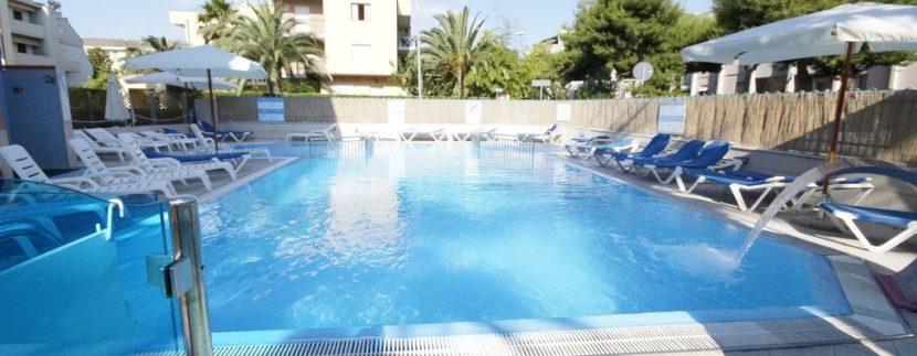 piscina della palazzina Azzurra a San Benedetto del Tronto