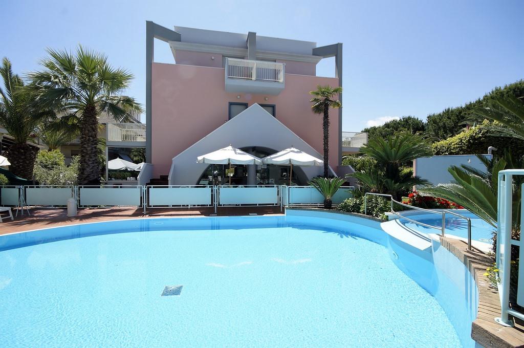 piscina - residence Mediterraneo Uno - San Benedetto del Tronto
