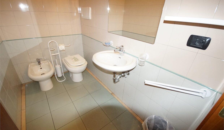secondo bagno - residence Mediterraneo Uno - San Benedetto del Tronto