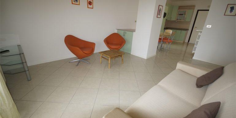 soggiorno appartamento attico Via Cherubini a San Benedetto del Tronto