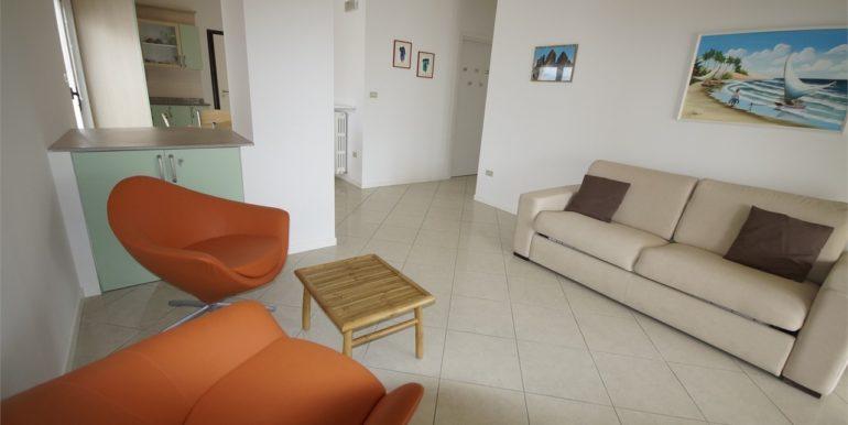 soggiorno appartamento attico di Via Cherubini a San Benedetto del Tronto